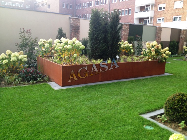 Art culos mobiliario urbano jardineras jardineras de for Jardineras de madera grandes