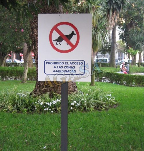 Art culos mobiliario urbano se alizaci n o mupis for Cancion el jardin prohibido